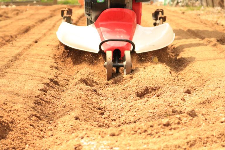 何よりも大事な土作り!栄養たっぷり!
